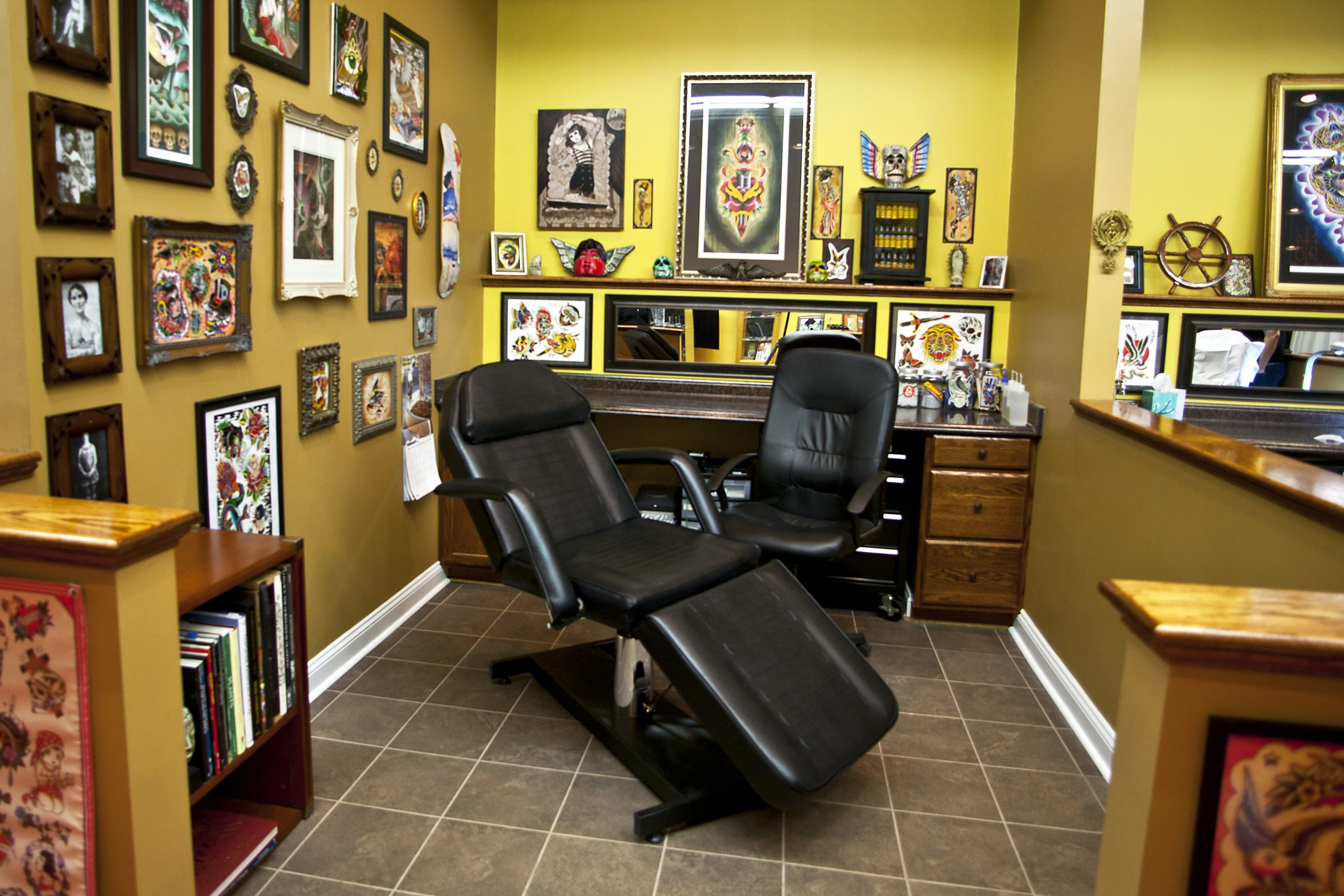 Best Tattoo Artist Chairs & Client Chairs